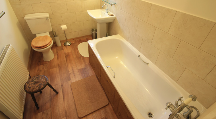 Bathroom Floor Tile Effect : Stag lodge a luxury cottage in the highlands